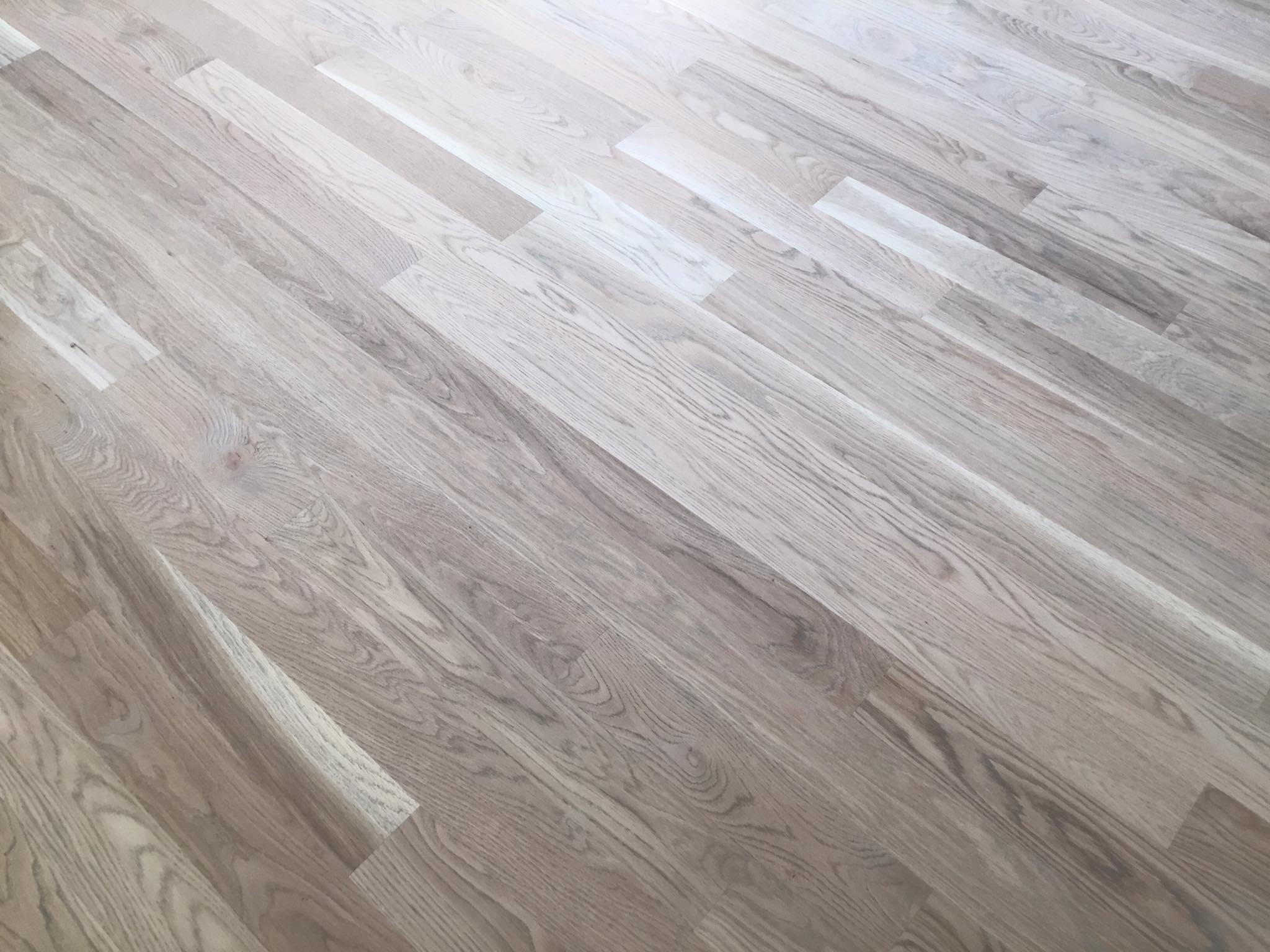 Solid white oak 3 1 4 hardwood floor installation chicago for Solid oak wood flooring