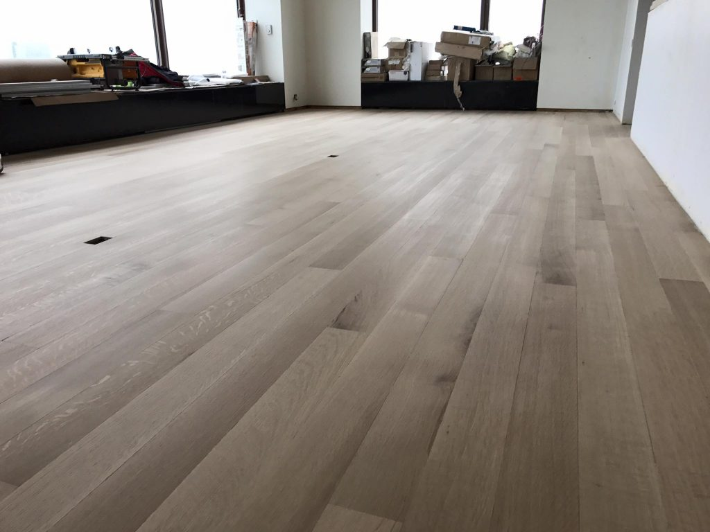 Whitewashed hardwood floor white oak in chicago tom for Flooring chicago